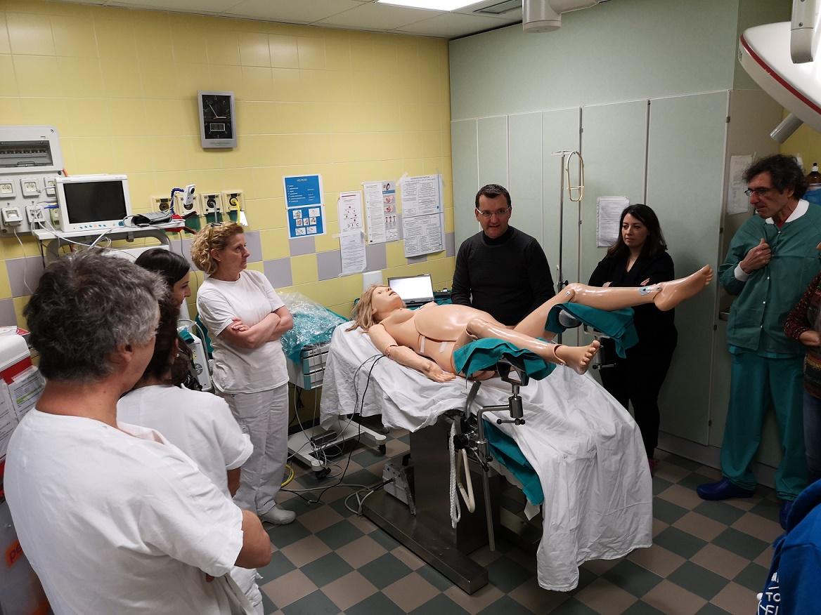 Sala Parto In Inglese : Ospedale di cento simulazione delle emergenze in sala parto